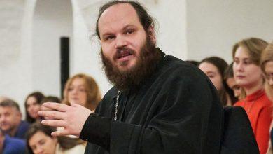 Photo of Іронічні відповіді священика на життєві питання